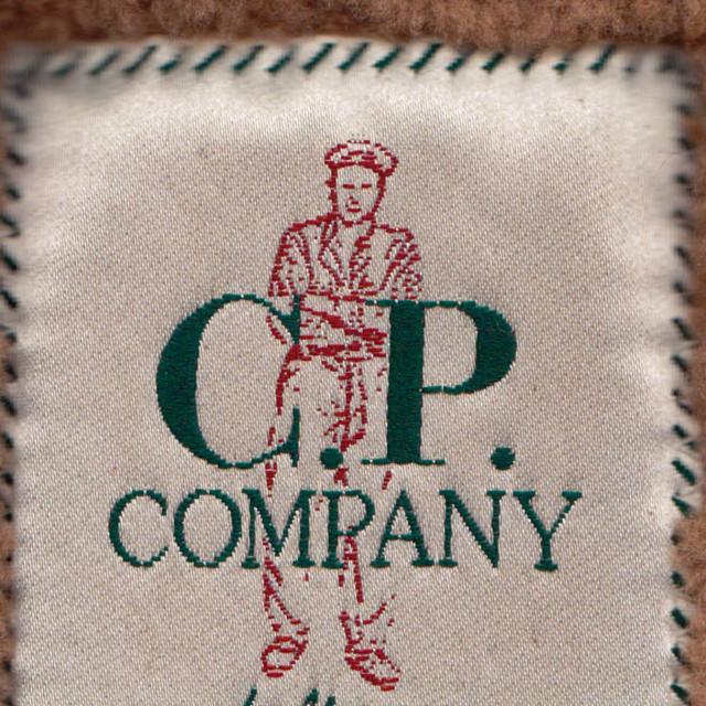 CP-Company_pelle_etichetta_01visual